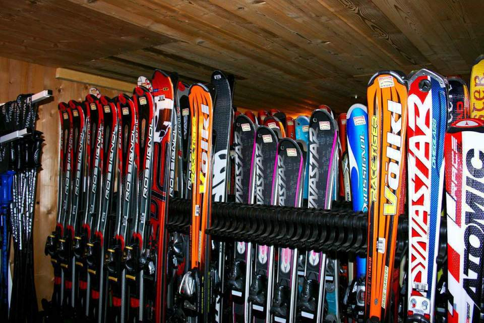 Skis to rent